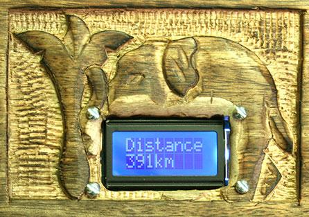 Auf dem Display sieht man die restliche Entfernung